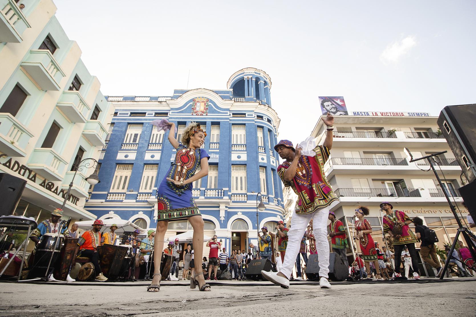 Bailarines de rumba cubana
