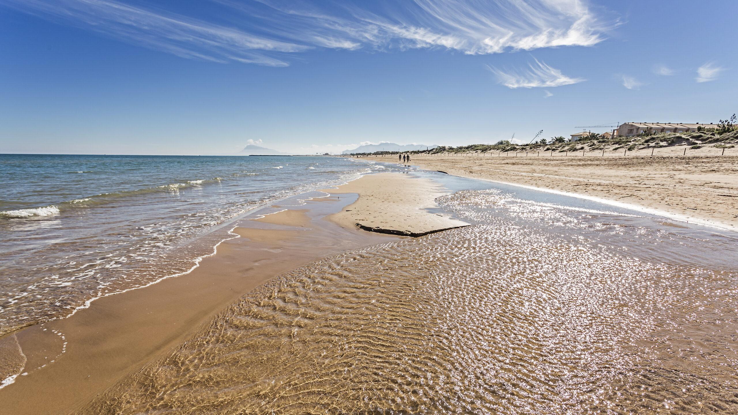 playa valencia mediterranean spain scaled