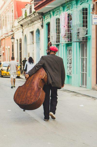 Habana Vieja-Músicos-Calles-Gente 1